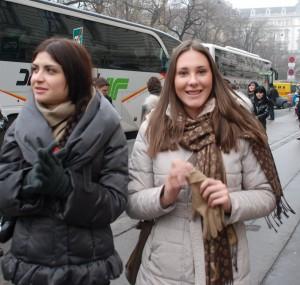 JAGODINA Jelena Ilic iz Leskovca studira zurnalistiku u Nisu,  Tamara Tojaga iz Leskovca studira Ekonomski fakultet ANITA DJUKIC