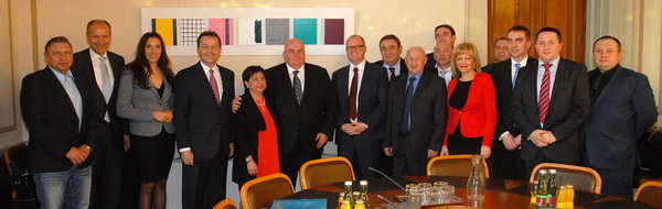 NP 6 Politicka delegacija